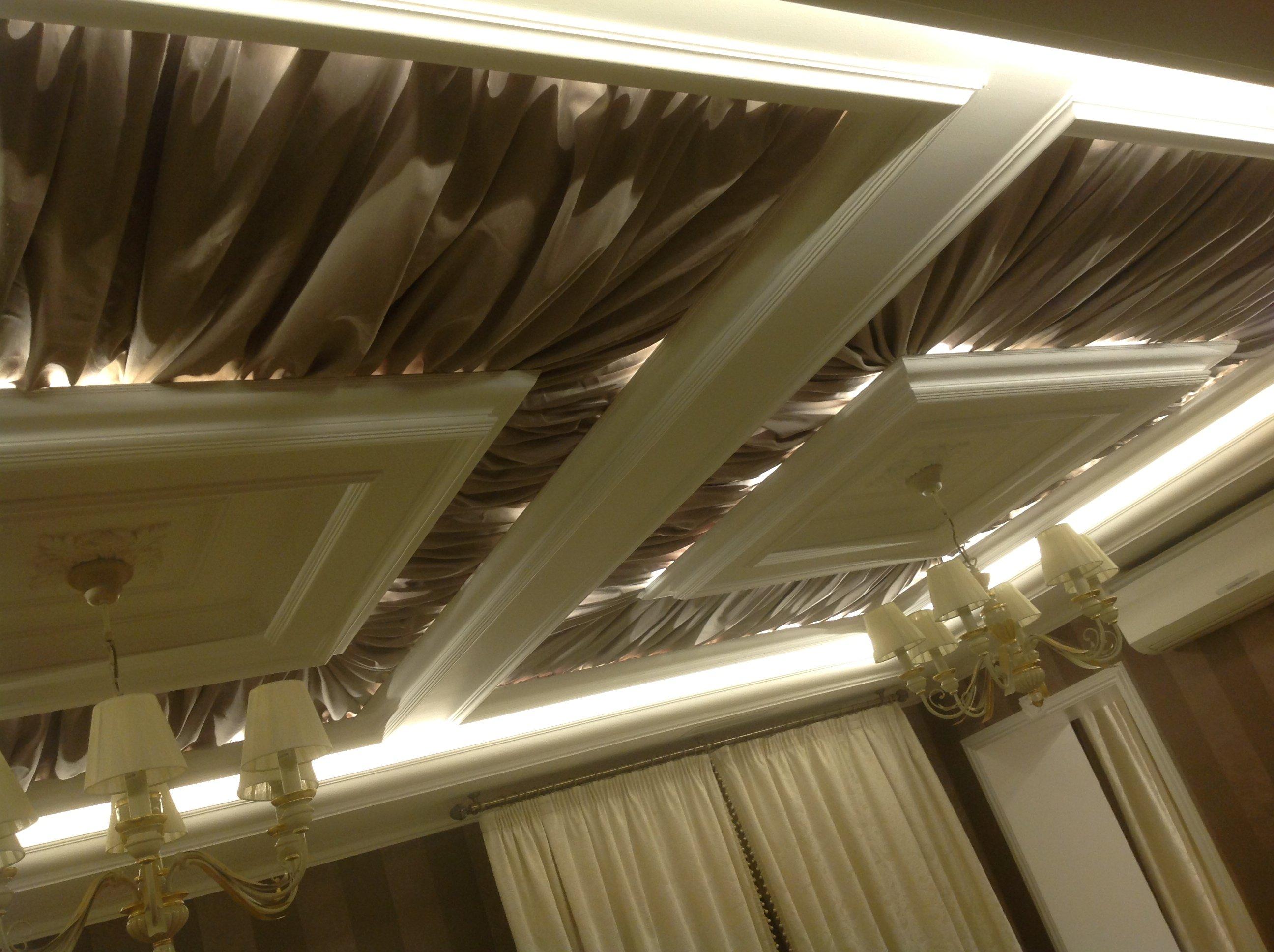 Натяжные потолки из ПВХ и ткани