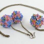 Бижутерия с цветами
