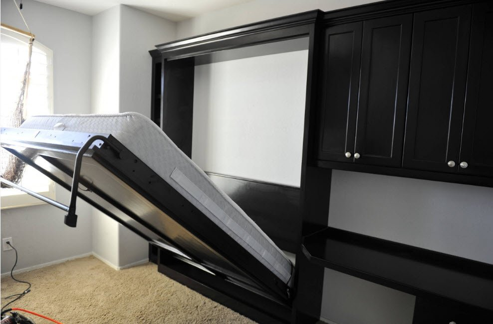 Пристенная кровать фото