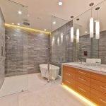 Душевая кабина в ванную комнату