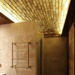 Каменный потолок в ванную