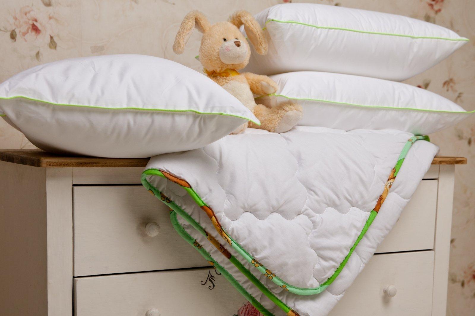 Детские подушки и одеяло