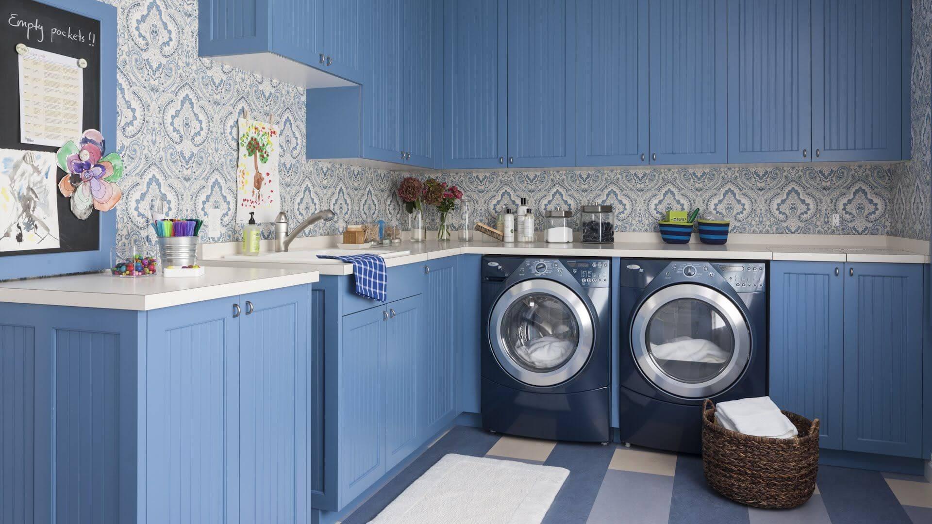 Машинка стиральная на кухне