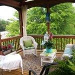 Обустройство веранды загородного дома
