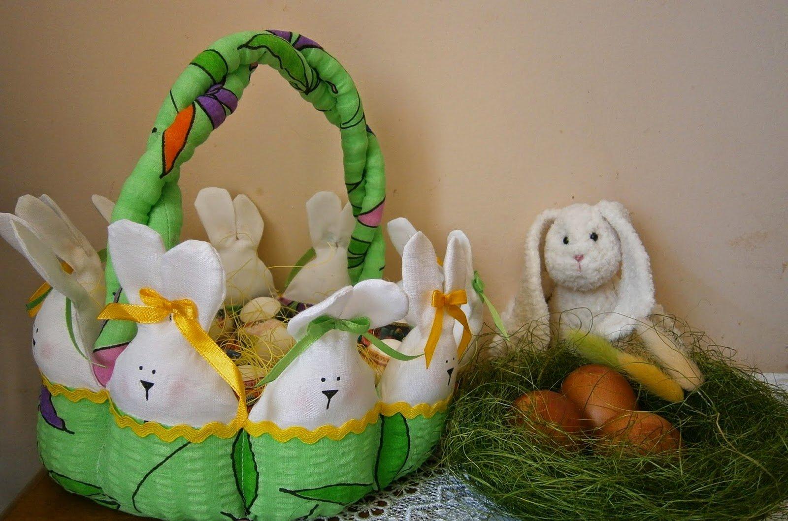 Корзина с зайцами