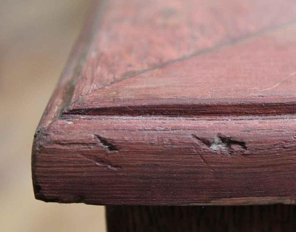 Сколы деревянной поверхности