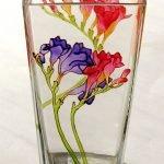 Цветы на стакане