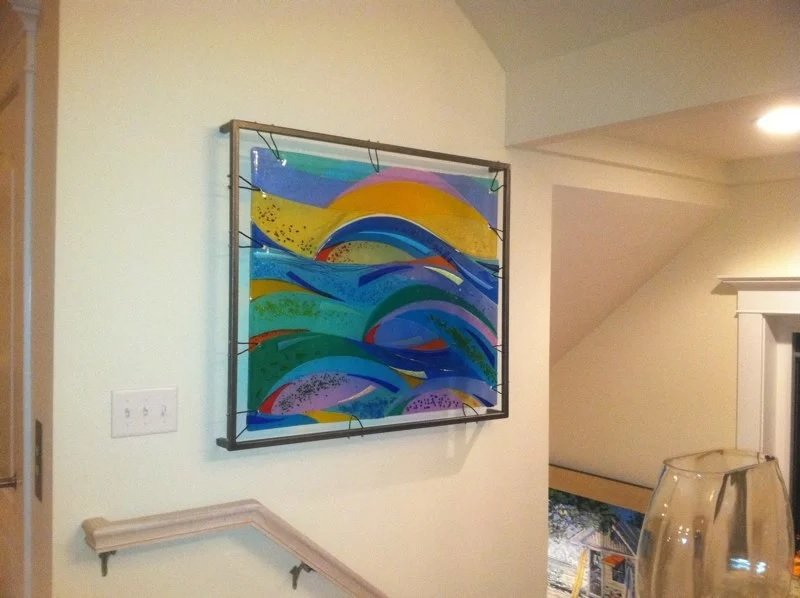 Крепление стеклянной картины на стене