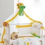 Бантики на кроватке