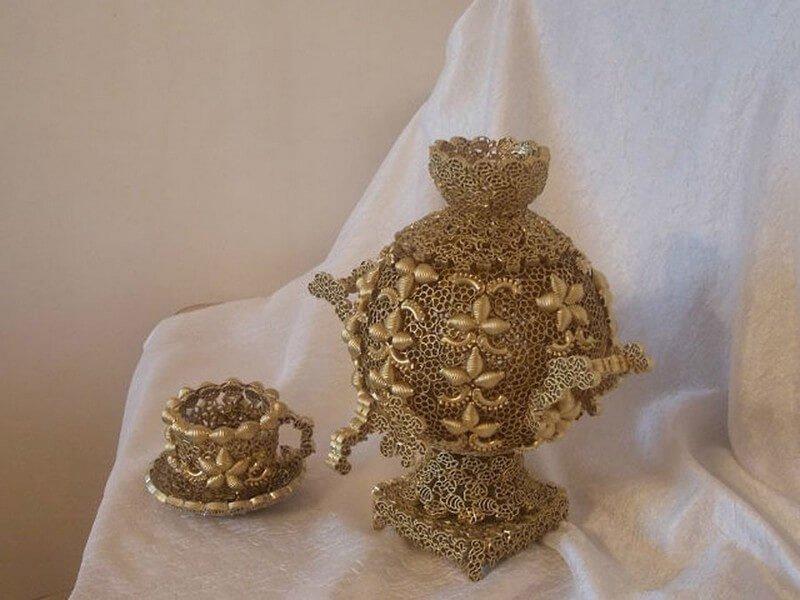 Декоративный самовар из макарон