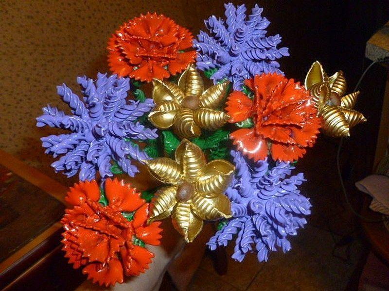 Цветочные композиции из макарон