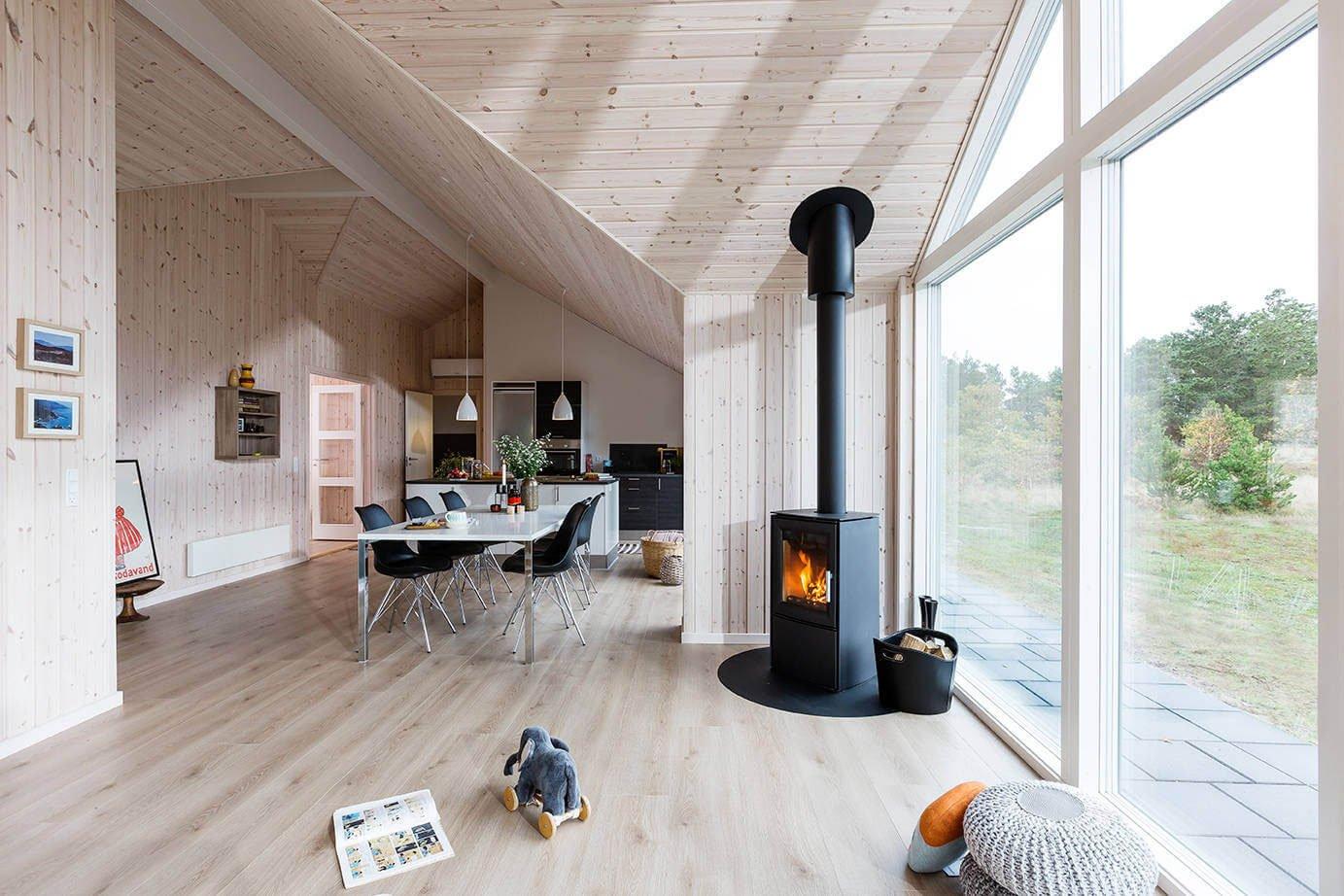 Дерево в интерьере в скандинавском стиле