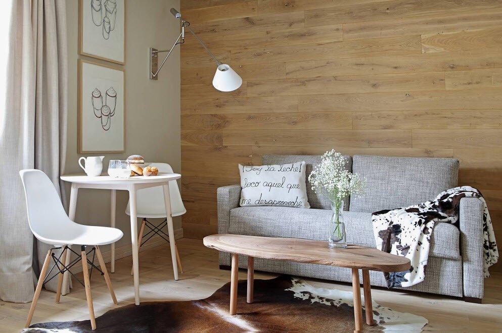 Дерево на стенах интерьера в скандинавском стиле