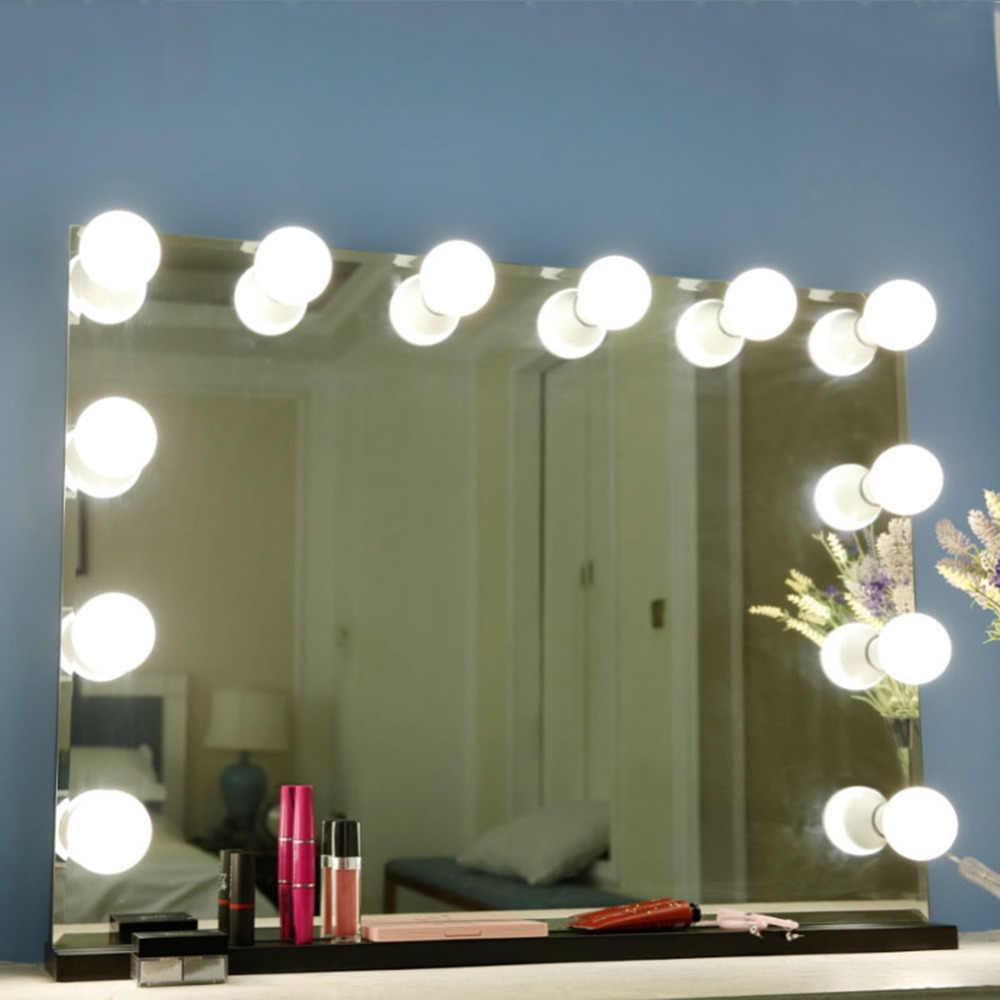 Оригинальный декор - одно из преимуществ зеркала с лампами