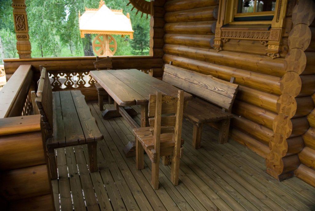 Мебель на террасе бани