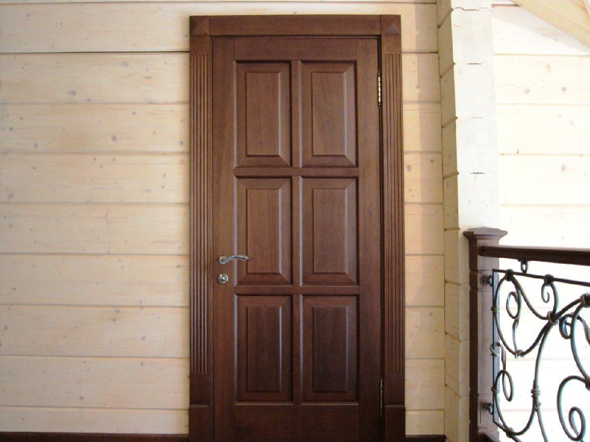 Филёнчатые двери из дерева