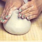 Придать глиняной заготовке форму