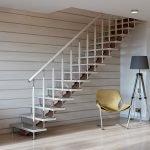 Лестница из металла с одной тетивой