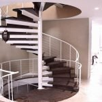Винтовая лестница из труб