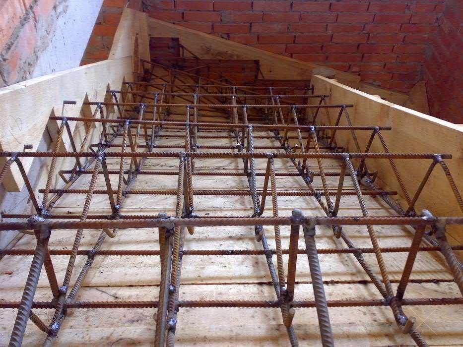 Кобылки из арматуры для лестницы