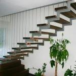 Лестница металлическая на косоурах