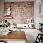 Шкафы на кухонной стене