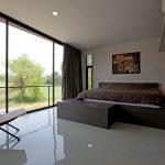 Спальня с панорамным остеклением
