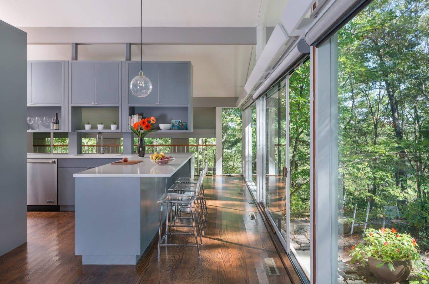 Панорамные окна в кухне
