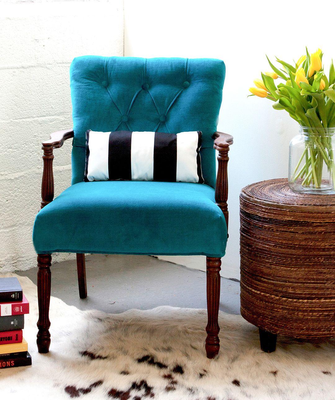 Качество - одно из преимуществ перетяжки кресла