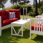 Белая деревянная мебель
