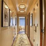 Освещение в коридоре