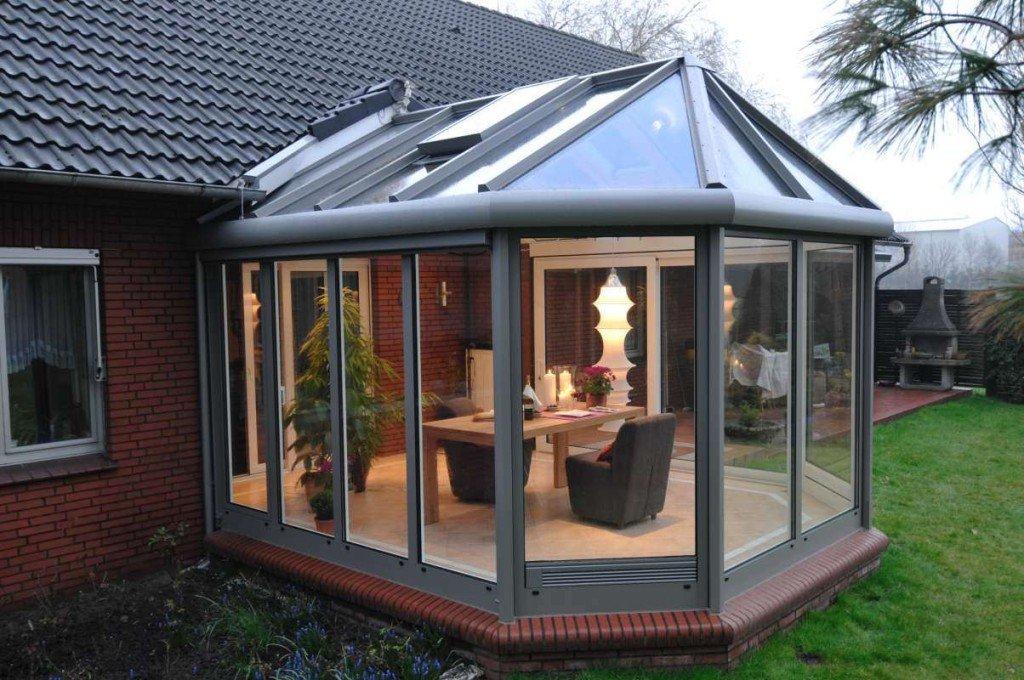 Зимний сад из металла и стекла