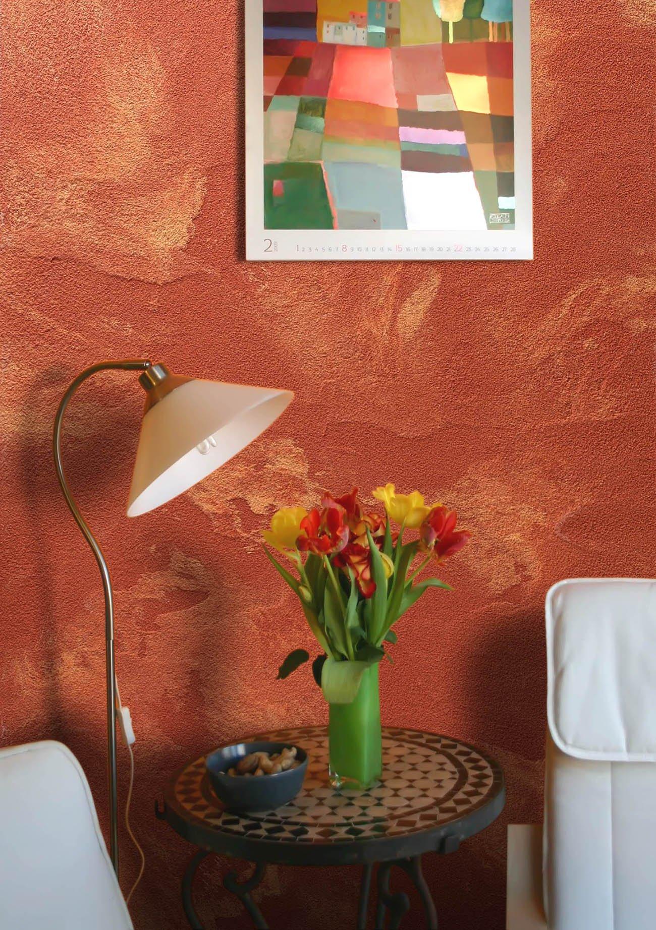 Картина над столиком