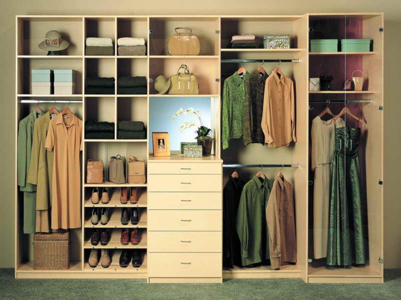 Приспособления для хранения одежды в шкафу