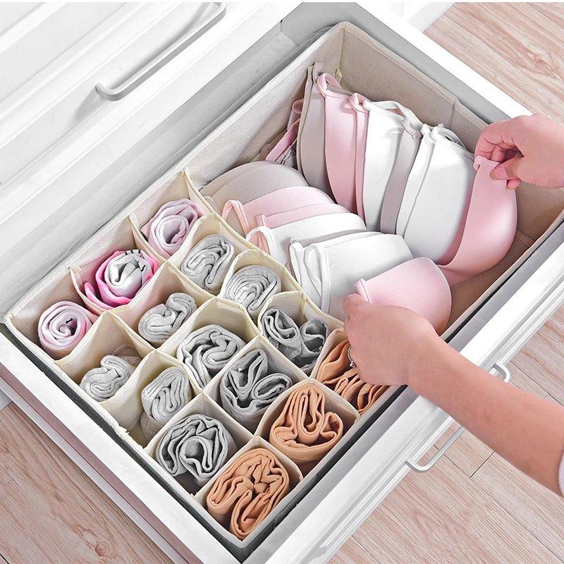 Нижнее белье в шкафу
