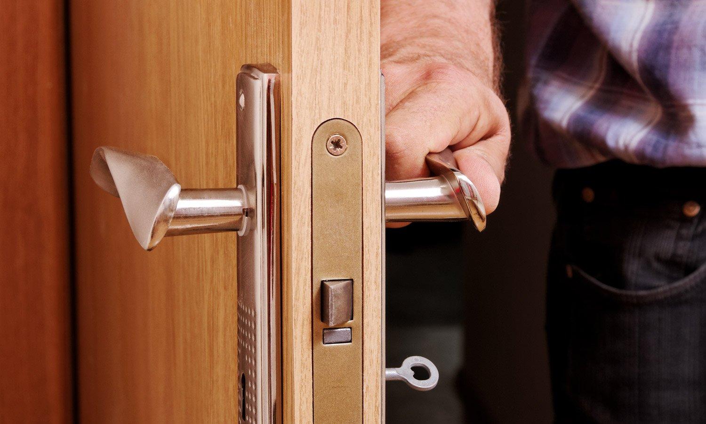 как выбрать входную дверь в квартиру правильная инструкция