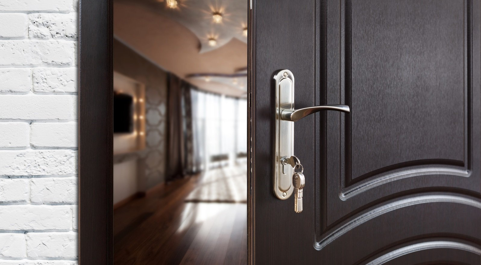 удалось картинки открытой двери квартиры потолочные покрытия