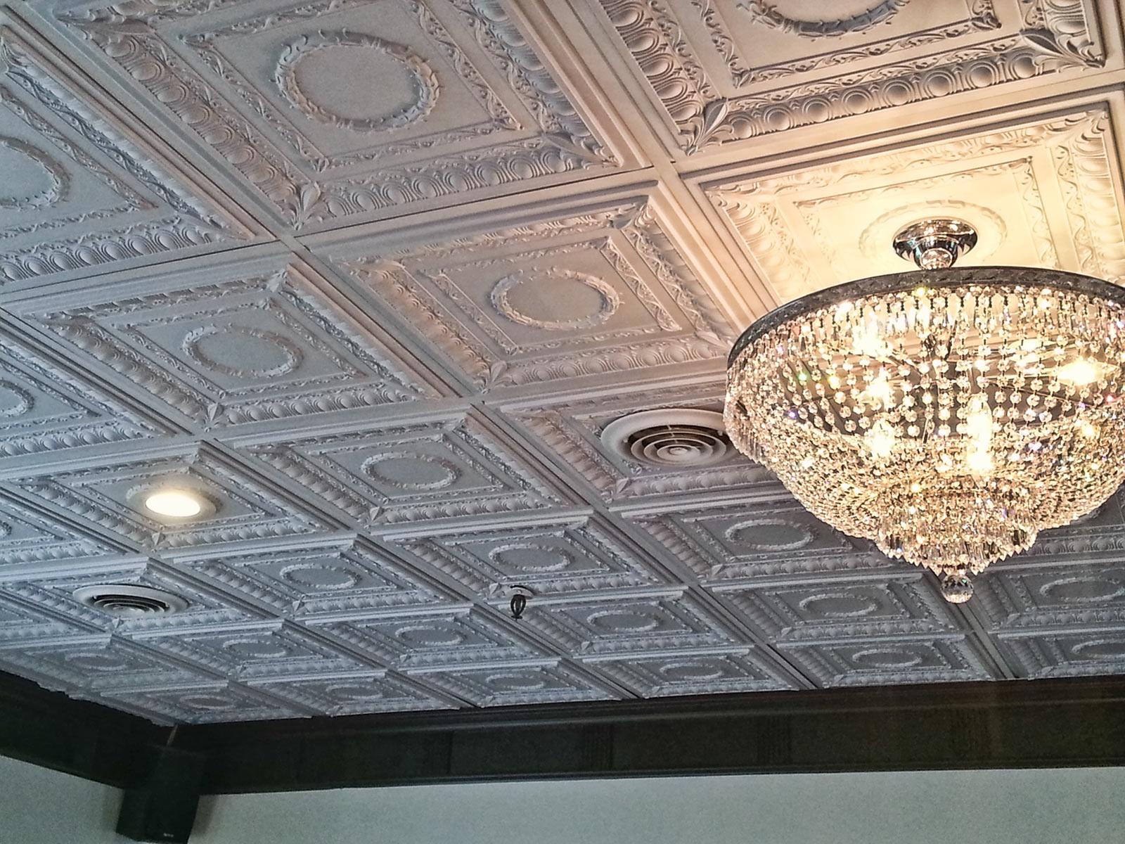 Плитка на потолке