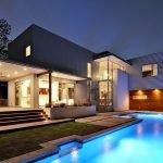 Дом с басейном