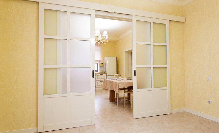 Интерьер с раздвижными дверями