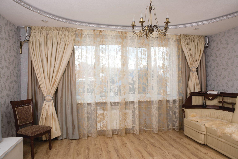 Тюль и шторы в гостиной