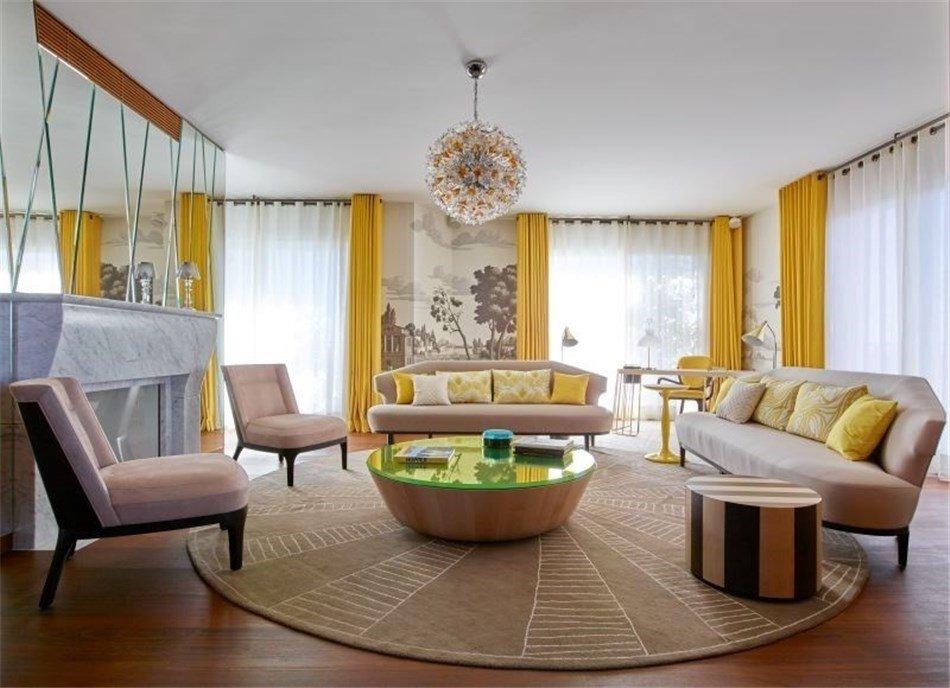 Круговая расстановка мебели в комнате
