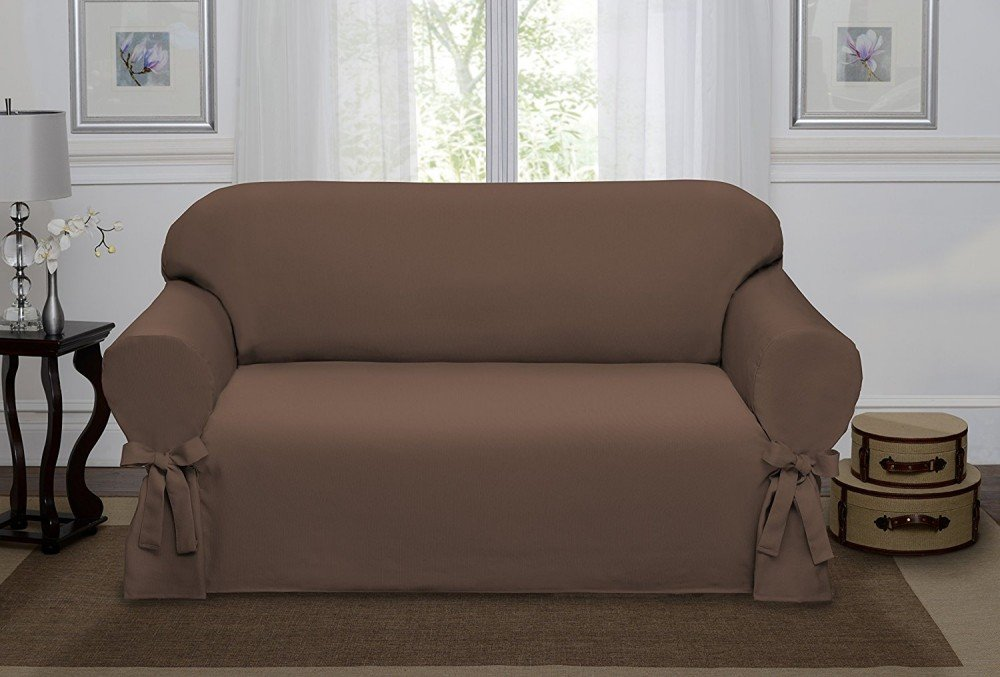 Чехол с современным дизайном на диван