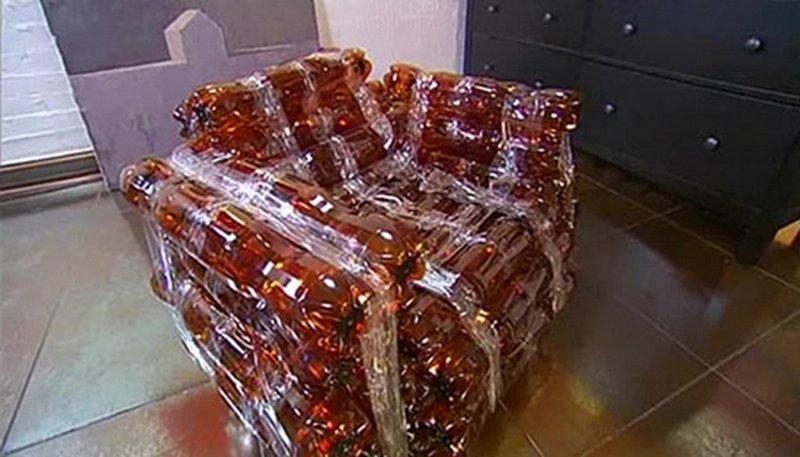 Кресло из пластиковых бутылок