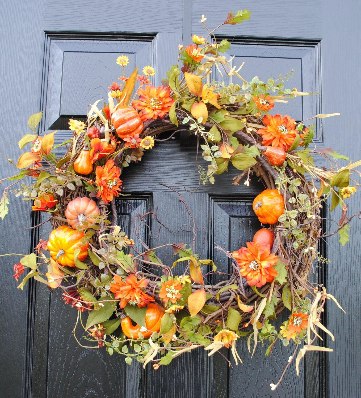 Осенний венок с использованием декоративной тыквы