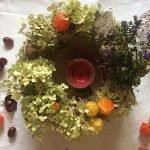 Декорируем сушенными ягодами