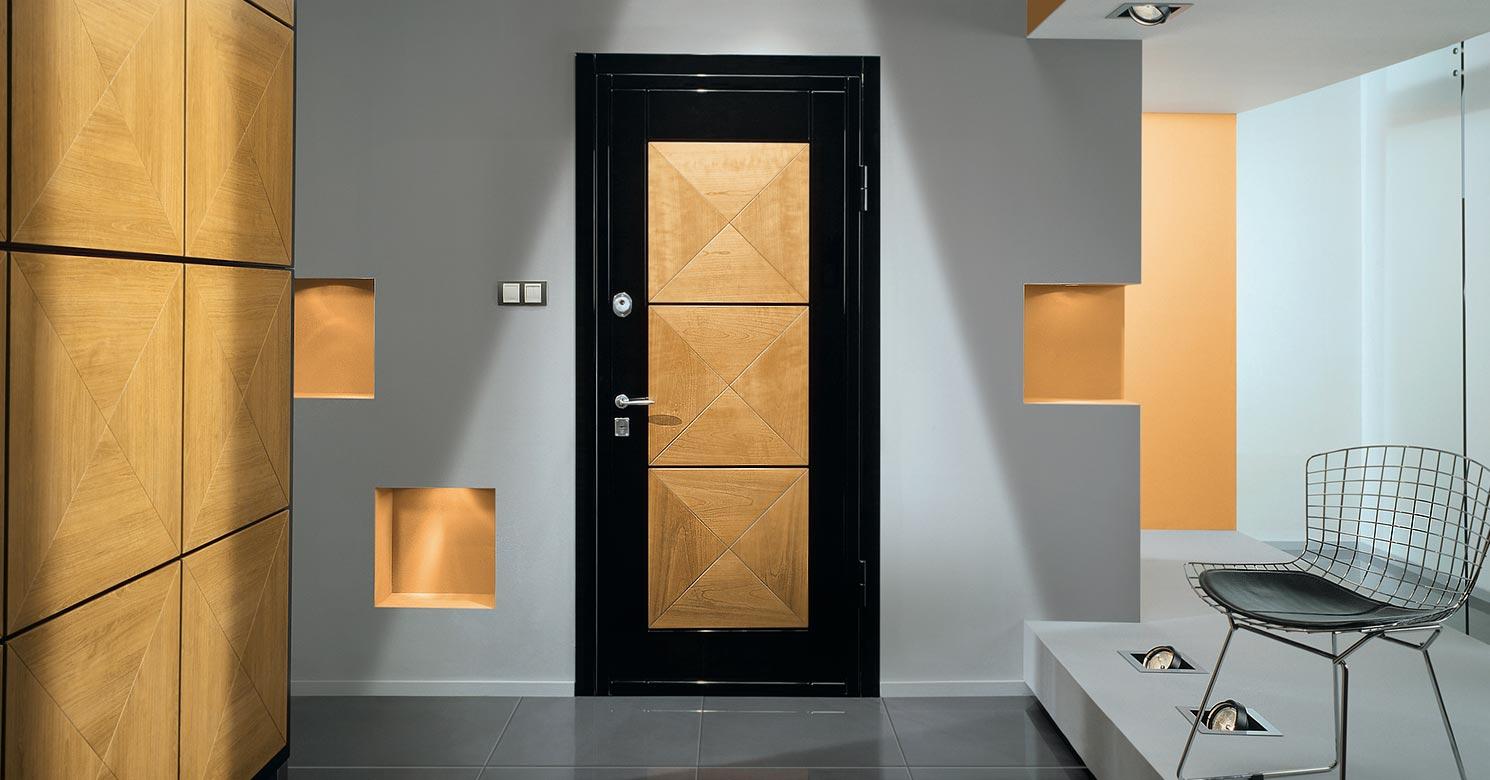 Выбор металлической двери для интерьера