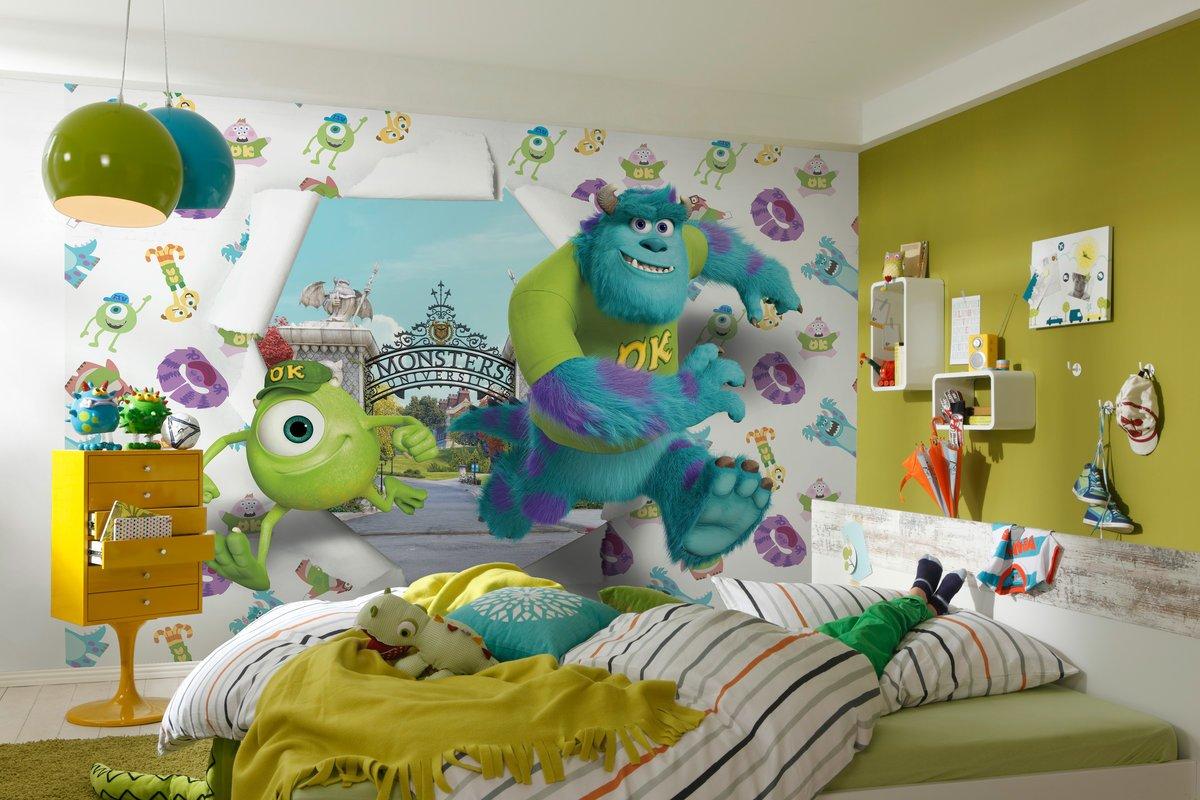 Обои в крупный рисунок в комнате для мальчика