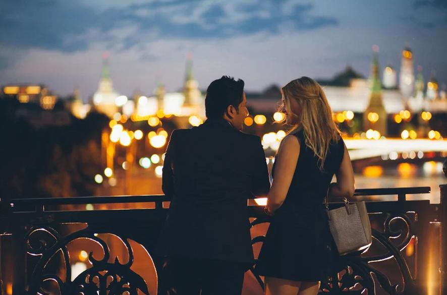 Влюбленные в городе