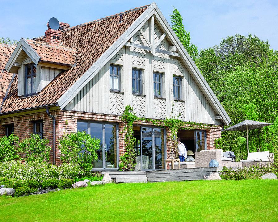 Двухэтажный дом в стиле прованс